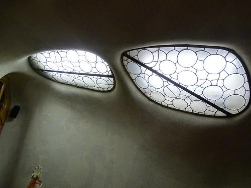 "Casa Batlló Gaudi Barcelona • <a style=""font-size:0.8em;"" href=""http://www.flickr.com/photos/160223425@N04/37921561795/"" target=""_blank"">View on Flickr</a>"