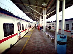 Stesen Komuter Pelabuhan Klang KTM - Jalan Limbongan - http://4sq.com/bVc4Px #Travel #holiday #trainstation #railwaystation #度假 #旅行 #火车站 #亚洲 #马来西亚 #asia #malaysia #Klang #巴生