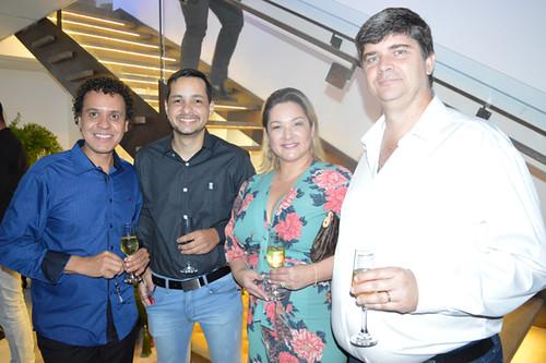João Batista e Thauan Natividade, com convidados