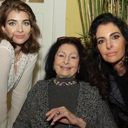 Com a neta, Maria, e a filha, Antônia