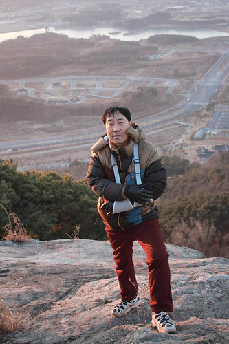 Climbing Geom-moo mountain for sunrise_MDY_180101_82