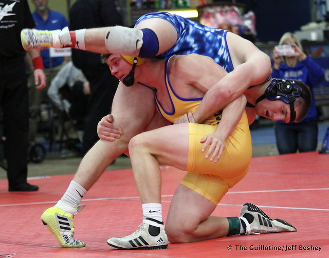 182 - Cade King (Owatonna) over TJ Pottinger (Hastings) Dec 9-3. 171230AJF0088