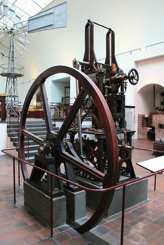 "Deutsches Museum München Steam Engine • <a style=""font-size:0.8em;"" href=""http://www.flickr.com/photos/160223425@N04/24045710727/"" target=""_blank"">View on Flickr</a>"