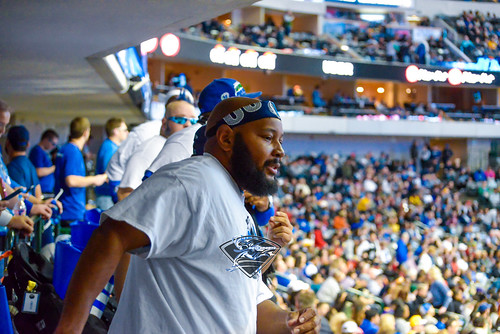 """Los Angeles Lakers vs Dallas Mavericks • <a style=""""font-size:0.8em;"""" href=""""http://www.flickr.com/photos/10266314@N06/27930843259/"""" target=""""_blank"""">View on Flickr</a>"""