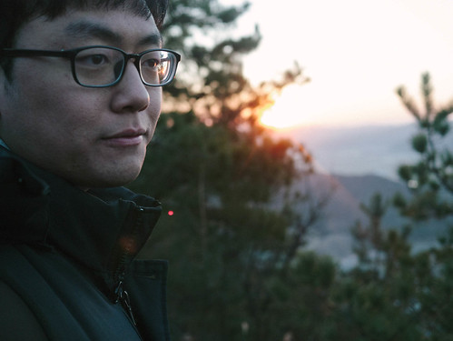 Climbing Geom-moo mountain for sunrise_MDY_180101_54