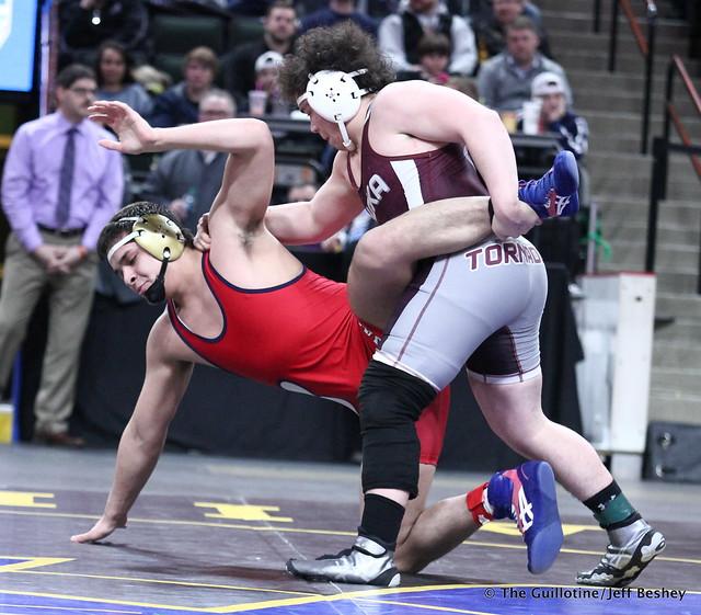 3rd Place Match - Richie Hammonds (Anoka) 43-3 won by major decision over Hunter Schoenborn (Bemidji) 41-16 (MD 24-11). 180303BJF0354