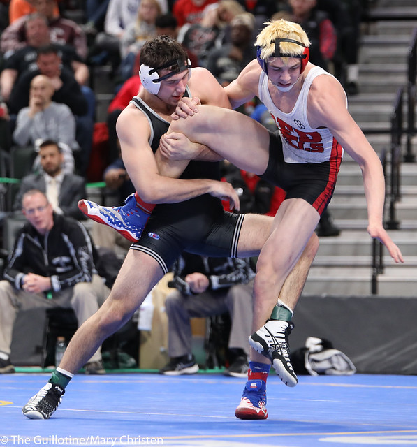 5th Place Match - Tyler Buesgens (Scott West) 51-3 won by decision over Collin Steuber (Fairmont-Martin County West) 50-6 (Dec 3-2). 180303BMC6057