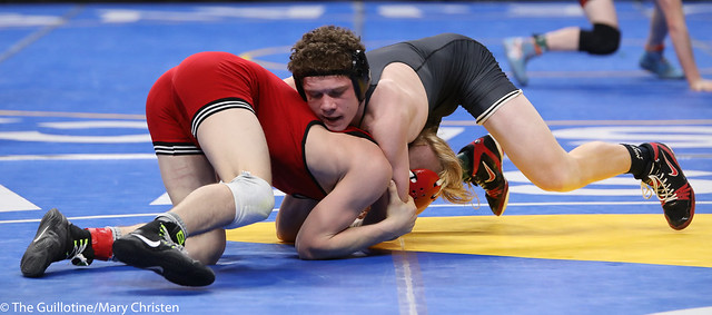 Semifinal - Charlie Pickell (Mankato West) 47-3 won by major decision over Jacob Prunty (Worthington) 38-3 (MD 11-1). 180303AMC5229