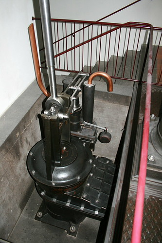 "Deutsches Museum München Steam Engine • <a style=""font-size:0.8em;"" href=""http://www.flickr.com/photos/160223425@N04/25039206208/"" target=""_blank"">View on Flickr</a>"
