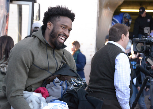 """Wesley Matthews and Mavs Assist Local Shelter • <a style=""""font-size:0.8em;"""" href=""""http://www.flickr.com/photos/10266314@N06/25787478268/"""" target=""""_blank"""">View on Flickr</a>"""