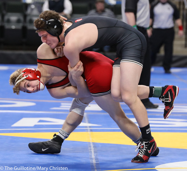 Semifinal - Charlie Pickell (Mankato West) 47-3 won by major decision over Jacob Prunty (Worthington) 38-3 (MD 11-1). 180303AMC5221
