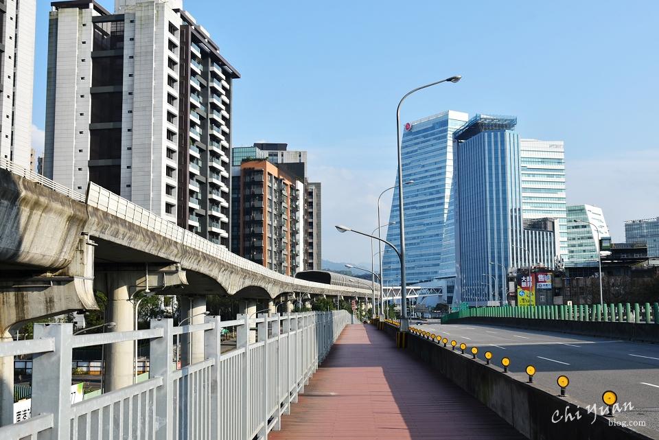 基隆河畔自行車道17.JPG