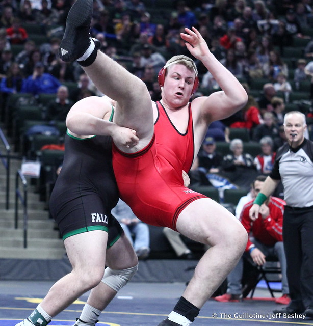 3rd Place Match - Dillon McEachran (Faribault) 38-6 won by decision over Bryce Benhart (Lakeville North) 42-7 (Dec 3-2). 180303BJF0393