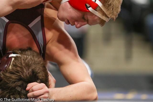 138 - Cael Carlson (Willmar) over Tyler Young (Anoka) Maj 13-4 - 180301cmk0056