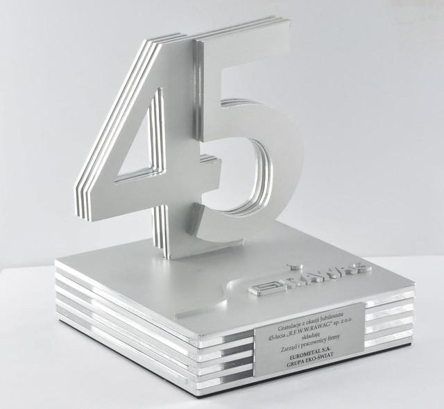 statutetka z aluminium2