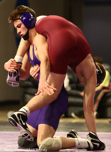 149: Kyle Rathman (MSU) wins a 10-3 decision vs Caden Moore (NSU)   25-9 - 190125mke-0064
