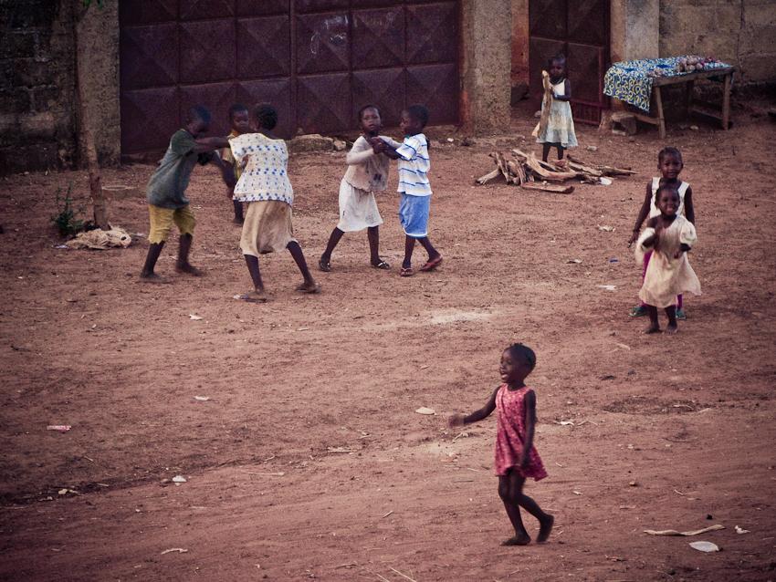 Kinder in Bobo