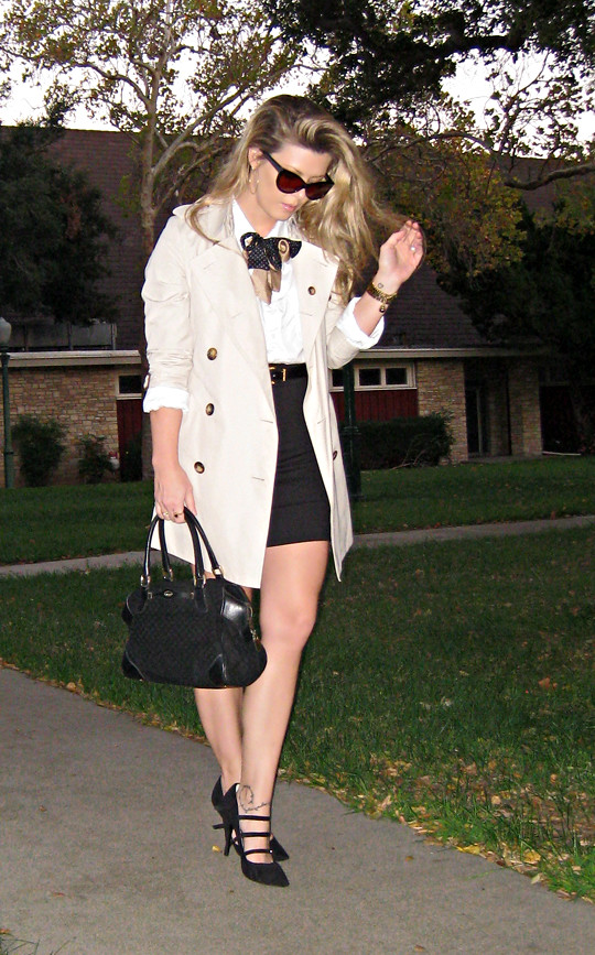burberry trench coat+vintage gucci bag+black mini and white button down with silk bow ties