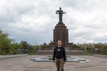 Mijn allerlaatste foto uit Jerevan, het beeld van Moeder Armenië. Vroeger stond hier een gigantisch standbeeld van Stalin.