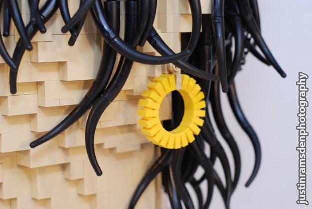 LEGO Amy Winehouse (Earring)