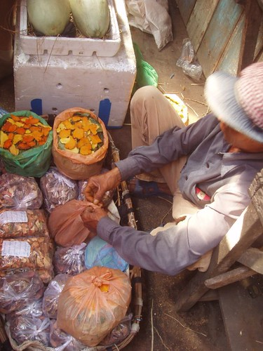 201002060291_turmeric-vendor