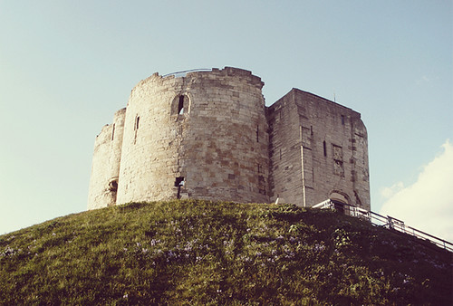 Image of Clifford's Tower, York, by flickr user daylong