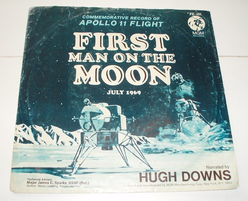 COMMEMORATIVE RECORD FIRST MAN ON THE MOON 1969