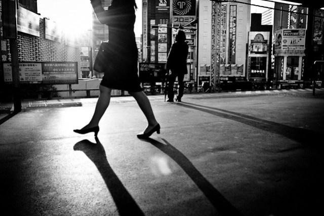 [160yen - A day on the Yamanote line] - Shinbashi 17:19