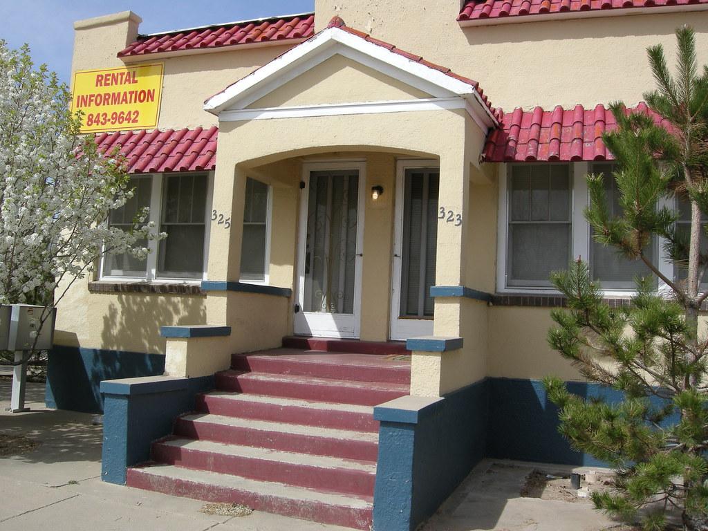 BB NM 323-325 Terrace SE