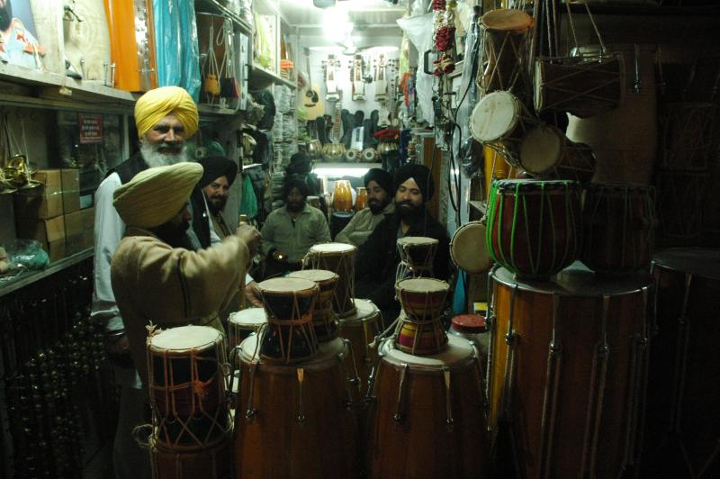 In and around the temple : All that you need for a Shabad