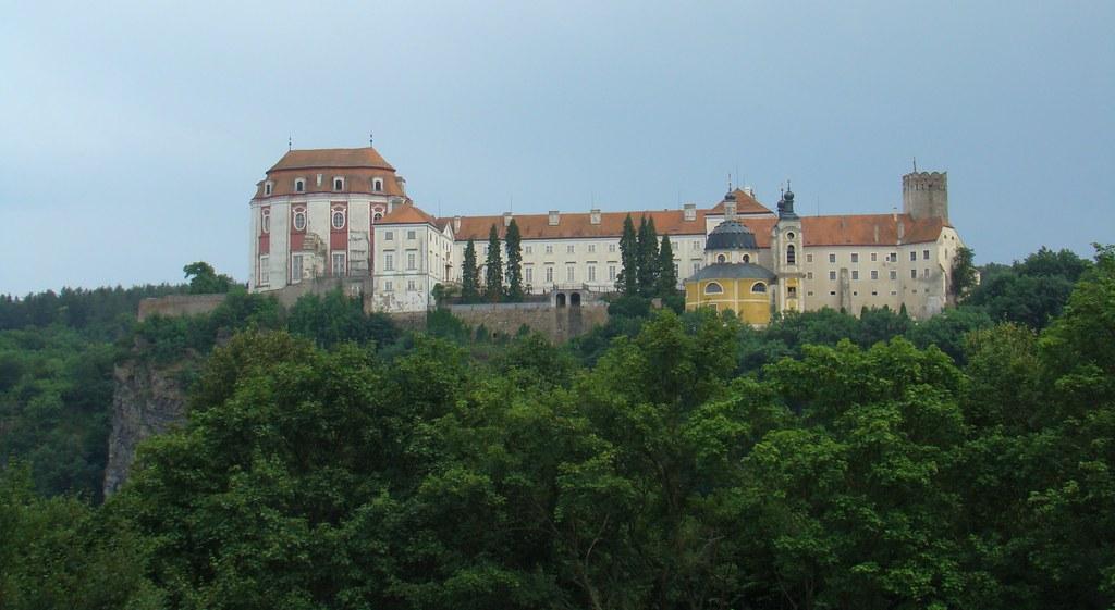 Castillo Vranov Nad Dyji-Chequia 01