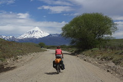 On the way to Volcan Lanin (3,759m) por Pikes On Bikes