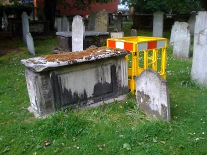 Grave extension