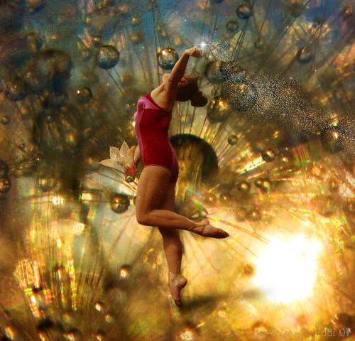 light dancer by Eddi van W.