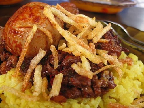 Nasi Kuning Banjar, Kindai by Herman Saksono
