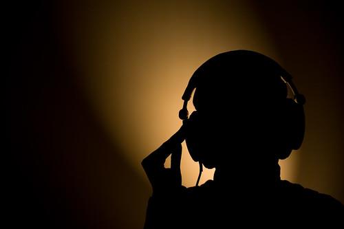 headphone silhouet