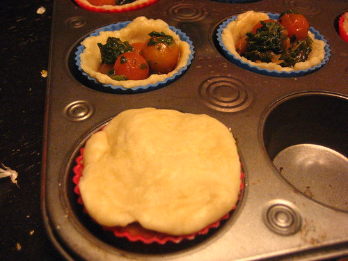 Tomato and spinach cup pies