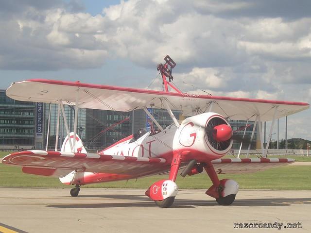 9 CIMG4338 Team Guinot wingwalkers _ City Airport - 2007 (7th July)