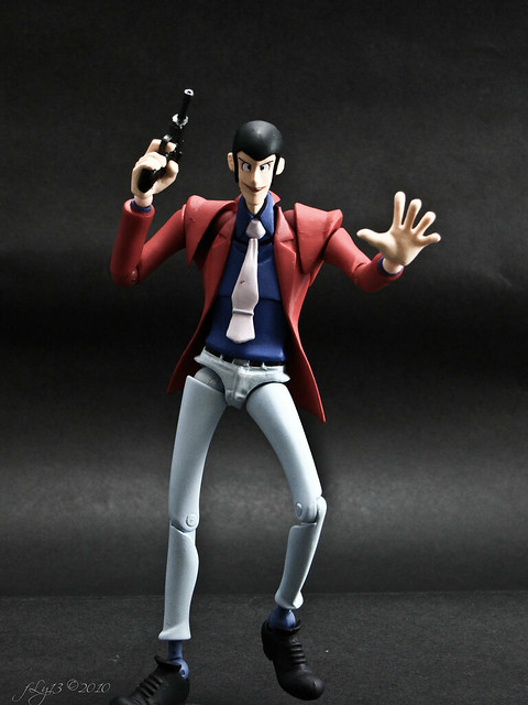 Revoltech Lupin the Third red DIY box