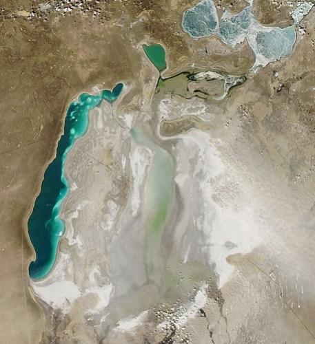 Imágenes de la Nasa de una tormenta de arena en el Mar de Aral
