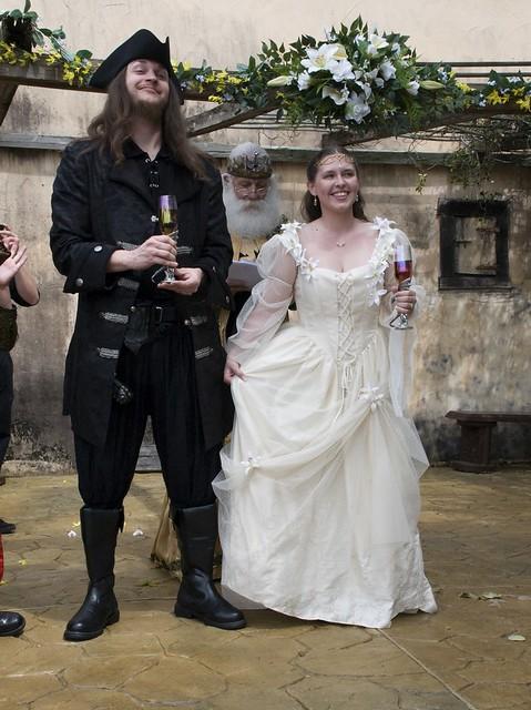 Katie & Scott\'s Renaissance wedding at Medieval Times | Offbeat Bride