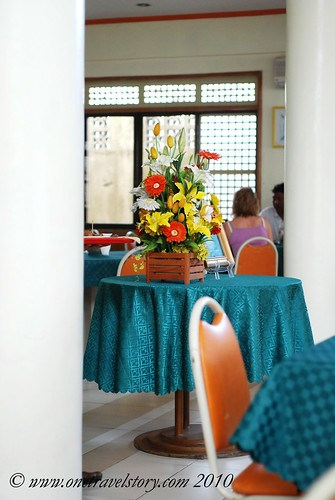Waway's Resto: table