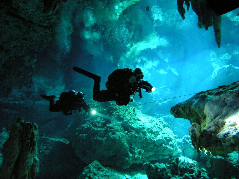 Dos Ojos Cenotes Tulum, MX