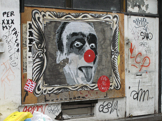 Mimi the Clown in Marolles, Brussels, August, 2010. (photo labeauratoire.com)