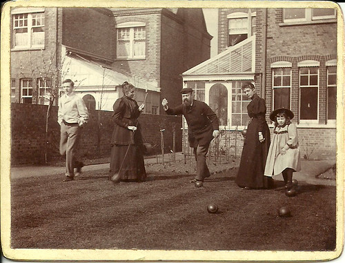 Lewis Tomalin (founder of Jaeger) and family at 20 Cambalt Road, Putney, c. 1895