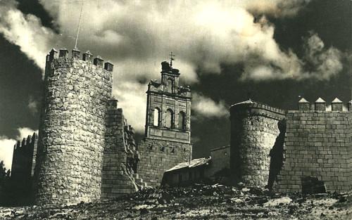 Ávila. Tramoya de la muralla derribada. Rodaje de la película Orgullo y pasión. Puerta del Carmen.