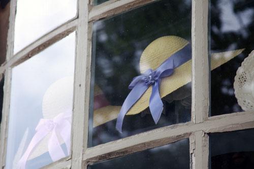 Hat in window: Williamsburg, VA