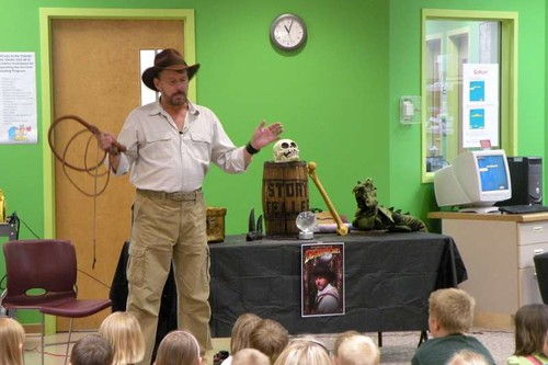 Storyteller Indiana Bones at the Library