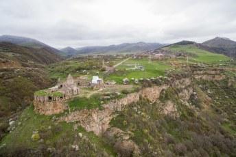 Dit is dan Tatev met zijn klooster, je komt er met de langste omkeerbare kabelbaan ter wereld.
