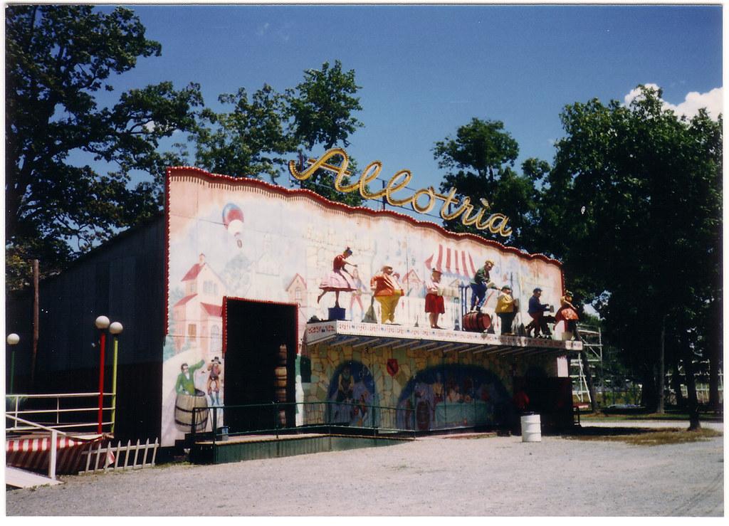 Allotria Fun House, Williams Grove Park - 1988